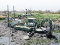 Backhoe dredging with two Watermaster dredgers
